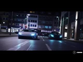 AMG C63s vs Lamborghini Huracan