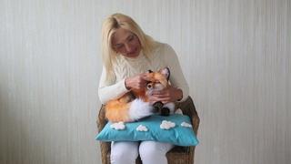 Лиса Рокси,спящая принцесса - реалистичная подвижная мягкая игрушка.