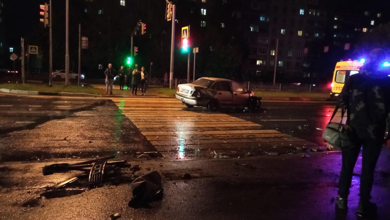 Два водителя пострадали в ДТП на проспекте Фрунзе в Ярославле