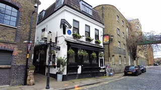 Residential areas of Bermondsey & Rotherhithe along the Thames | London Walk 2021