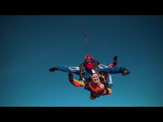Прыжок с парашютом в тандеме - лучший вариант первого прыжка