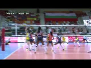 Женский волейбол, оказывается очень интересный и трогательный вид спорта.