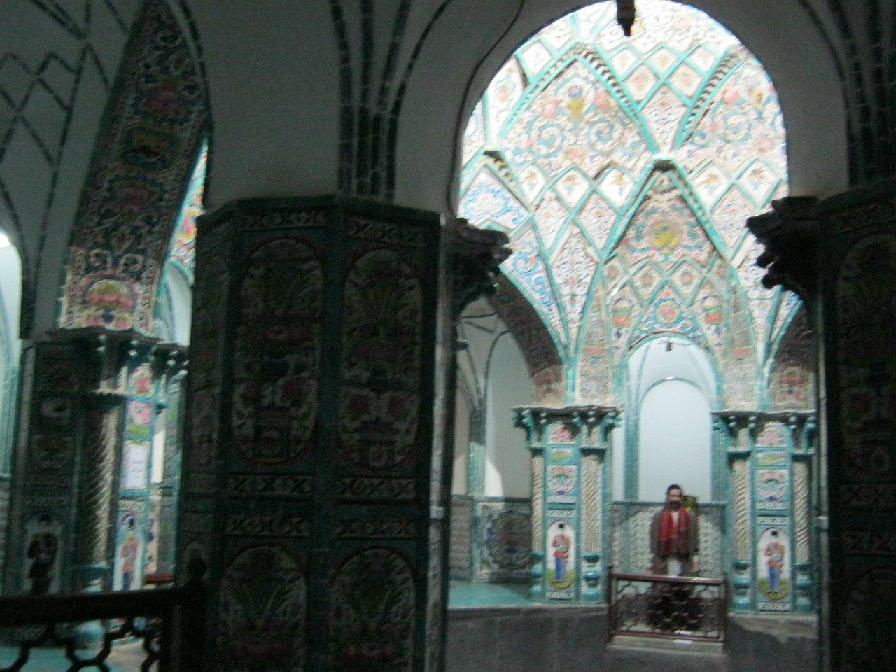 Из старинной бани сделали музей (в городе Арак).