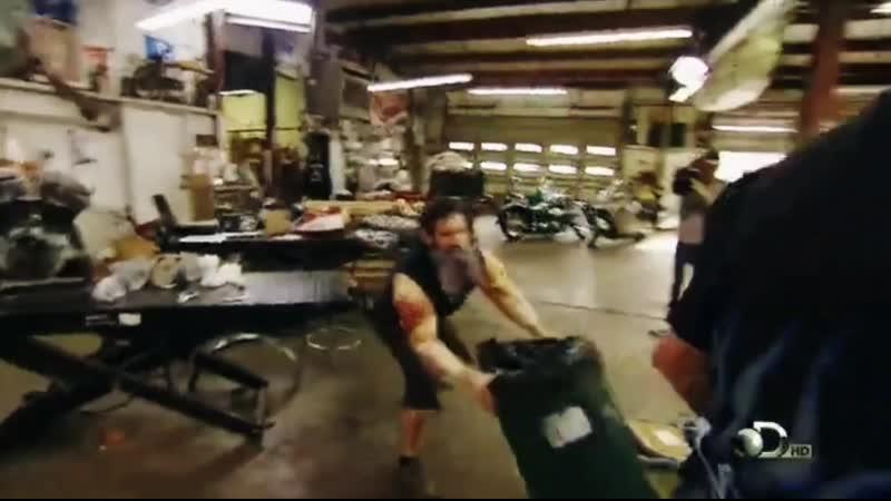 Gas Monkey Garage Aaron is freaking out Быстрые и громкие Американский Чоппер