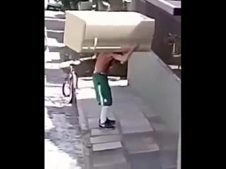 Лайфхак как перевезти холодильник