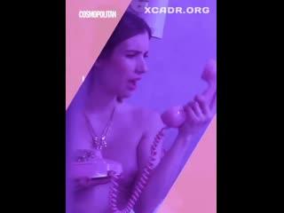 Эмма Робертс (Emma Roberts) засвет грудь