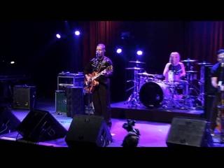 Reverend Horton Heat - Bales of Cocaine (Live)