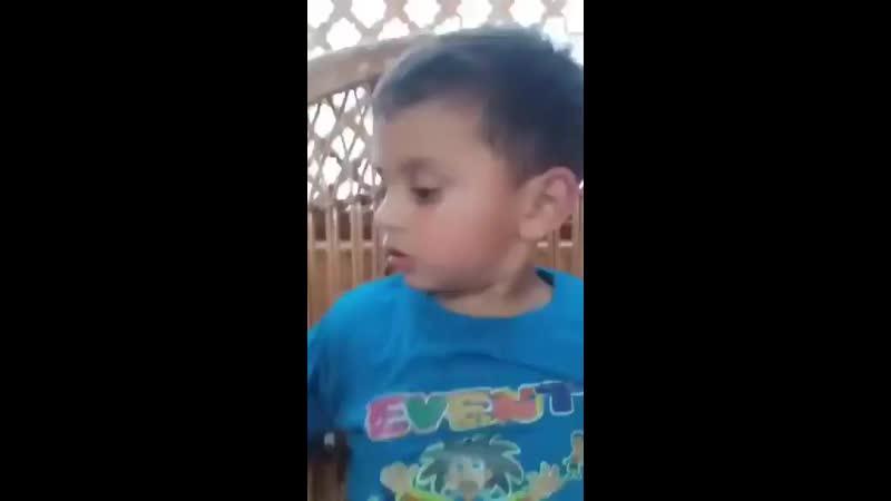 3 летний кашмирский мальчик который был свидетелем убийства деда говорит что его убила полиция