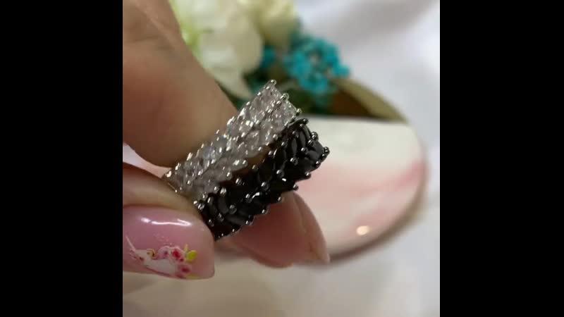 Самое изящное кольцо 💍 Смотрится очень богато и привлекательно ✨Качество люкс стальные с цирконами 💎 💞Можно сочетать с кл