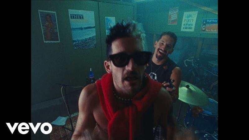 Mau y Ricky Papás Official Video