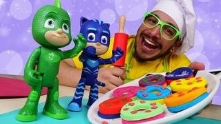 ¡Hacemos DONUTS de Play Doh de distintos colores! Cocina para niños con los PJ Masks en español.