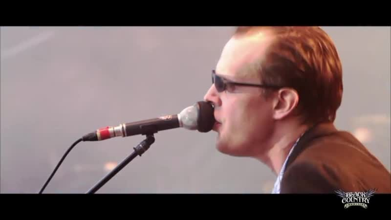 01 Black Country Communion Song of Yesterday LIVE OVER EUROPE DVD