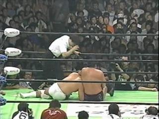 () NOAH Kenta Kobashi Vs. Jun Akiyama (WON MOTY 10-07-04)