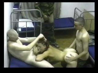 Как мы жарили МЖМ в казарме, солдаты и одна зрелая женщина