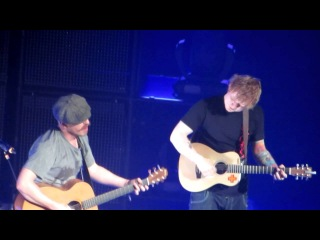 Guiding Light (unplugged & without a mic) - Ed Sheeran & Foy Vance @ Ryman Auditorium - 22/01/2013