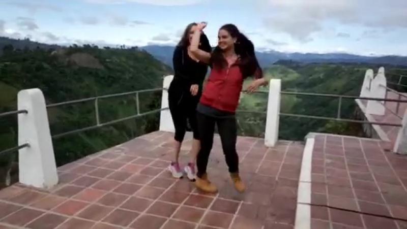 Сан Агустин Колумбия Танцуем с Яной в красивых местах