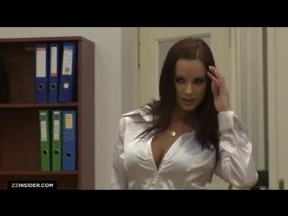 Жаркая красотка, порноактриса из Чехии - Cindy Dollar на кастинге в роли секретарши: