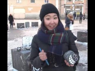 Девушка из Якутии рассказывает о жонглировании булыжниками.