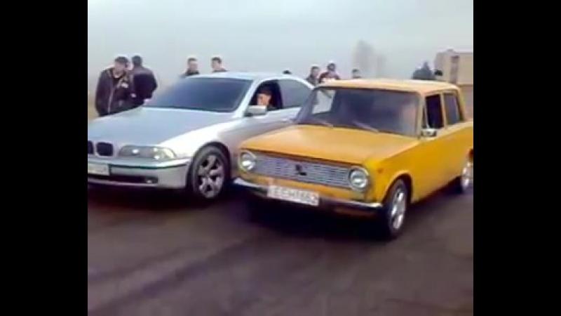 BMW vs VAZ 2101 после тюнинга и доработки в Каретном Дворе
