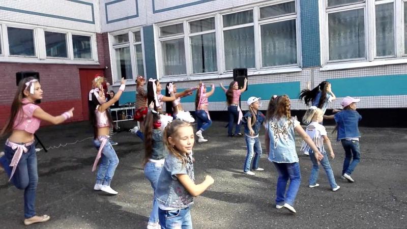 флэшмоб .дети из школы восточного танца АРАБЕСКИ » FreeWka - Смотреть онлайн в хорошем качестве