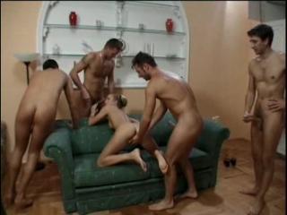 Красивую худенькую украинку #Alessia_Romei жестко дерут во все щели (Gangbang, russian, DP, hard sex, Assman 21)