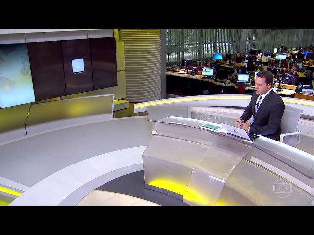 Repórter da Globo é impedido por policial da Espanha de entrar ao vivo no Jornal Hoje