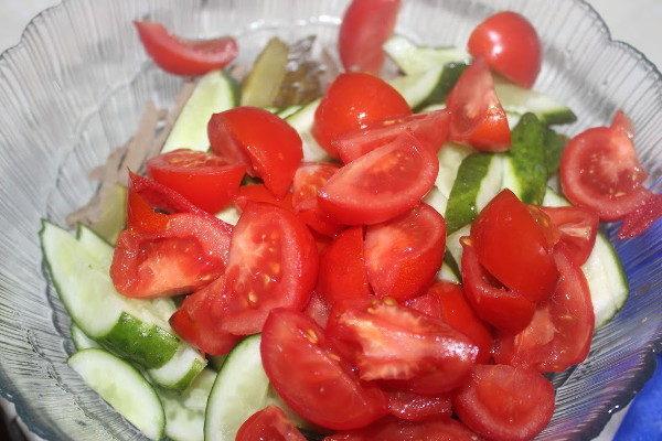 Салат с печенью и овощами, изображение №5