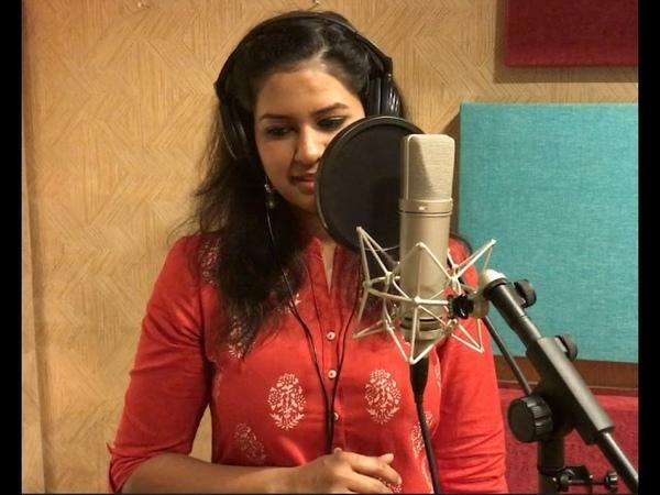 Lata Mangeshkar - Malavun taak deep Cover by Saili Oak (ft. Ragini Shankar)
