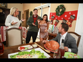 Brazzers - Horny For The Holidays Part 3 / Luna Star & Johnny Castle