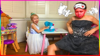 Алиса шьет новые наряды | Cute Alice Pretend Play with Kids Toys Sewing machine and  Funny Dress Up