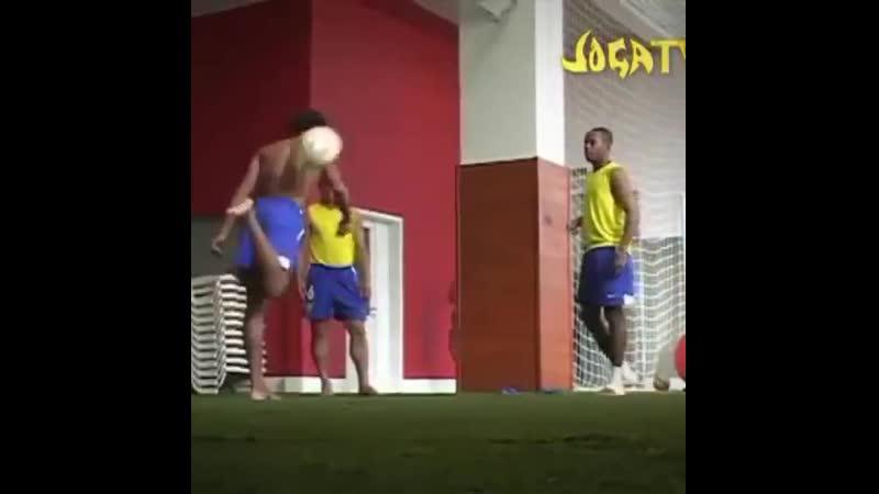 Роналдиньо Роберто Карлос и Робиньо