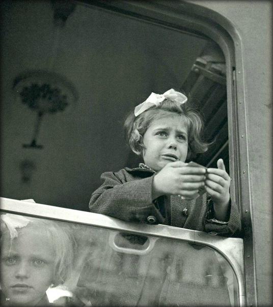 Эту маленькую девочку разлучили с семьей, но это была ее единственная надежда спастись В 1938 году Великобритания разместила на своей территории тысячи еврейских детей в рамках операции