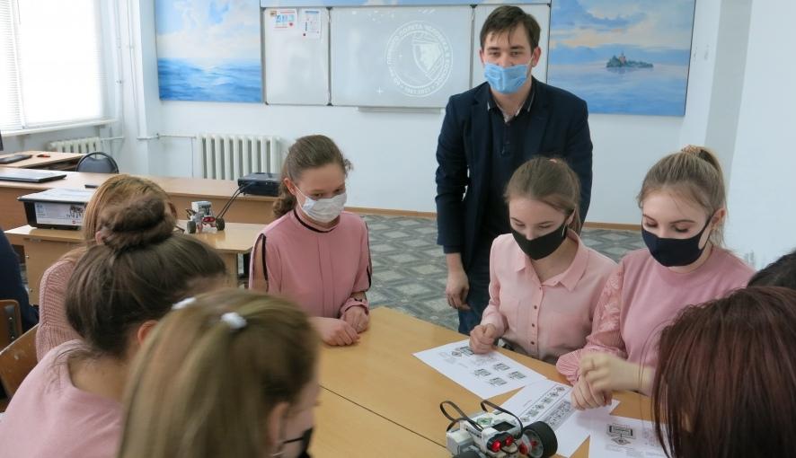 В Петровском политехе провели День открытых дверей