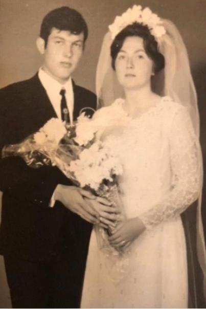 Пару, победившую коронавирус, выписали из больницы в день золотой свадьбы Не так, конечно, планировали отметить золотую свадьбу супруги Хандогы, но признаются, что за 50 лет видели всякое,