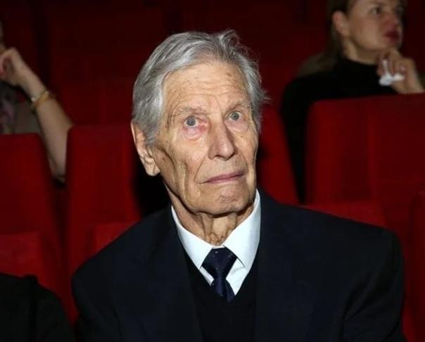 Геннадию Юхтину 89 лет: Его настоящее имя, трудное детство и бездетная старость Геннадий Юхтин любимец советских зрителей к своим годам снялся в многочисленных картинах, которые по праву