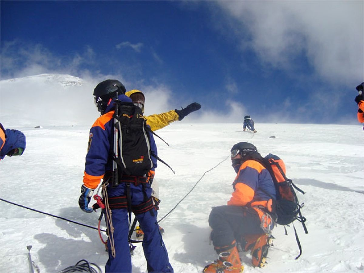 В КЧР завершилась спасательная операция на месте схода лавины в Домбае