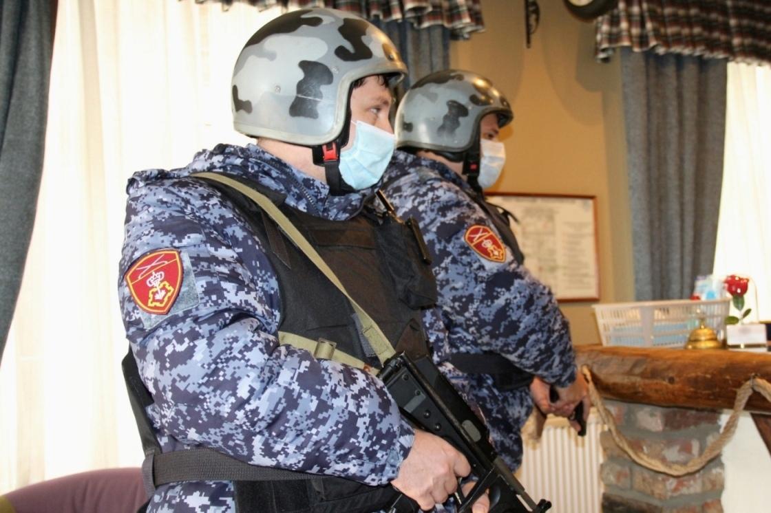 В Ростовской области сотрудники Росгвардии за месяц пресекли почти два десятка правонарушений