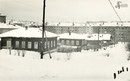 Частный сектор в районе улиц Решетникова и Коммунистической (ныне снесён). На заднем плане видны 5-этажные дома. Дата съемки: 22 декабря 1968 год.<br />Автор фото: В.В. Реймерс