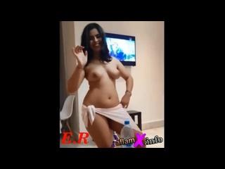فتاة عارية ترقص رقص نااااار -