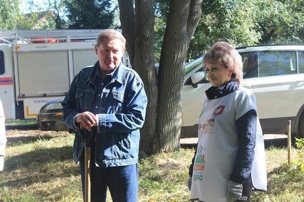 В минувшую субботу в Луховицах прошла экологическая акция «Наш лес. Посади свое дерево» на трех площадках