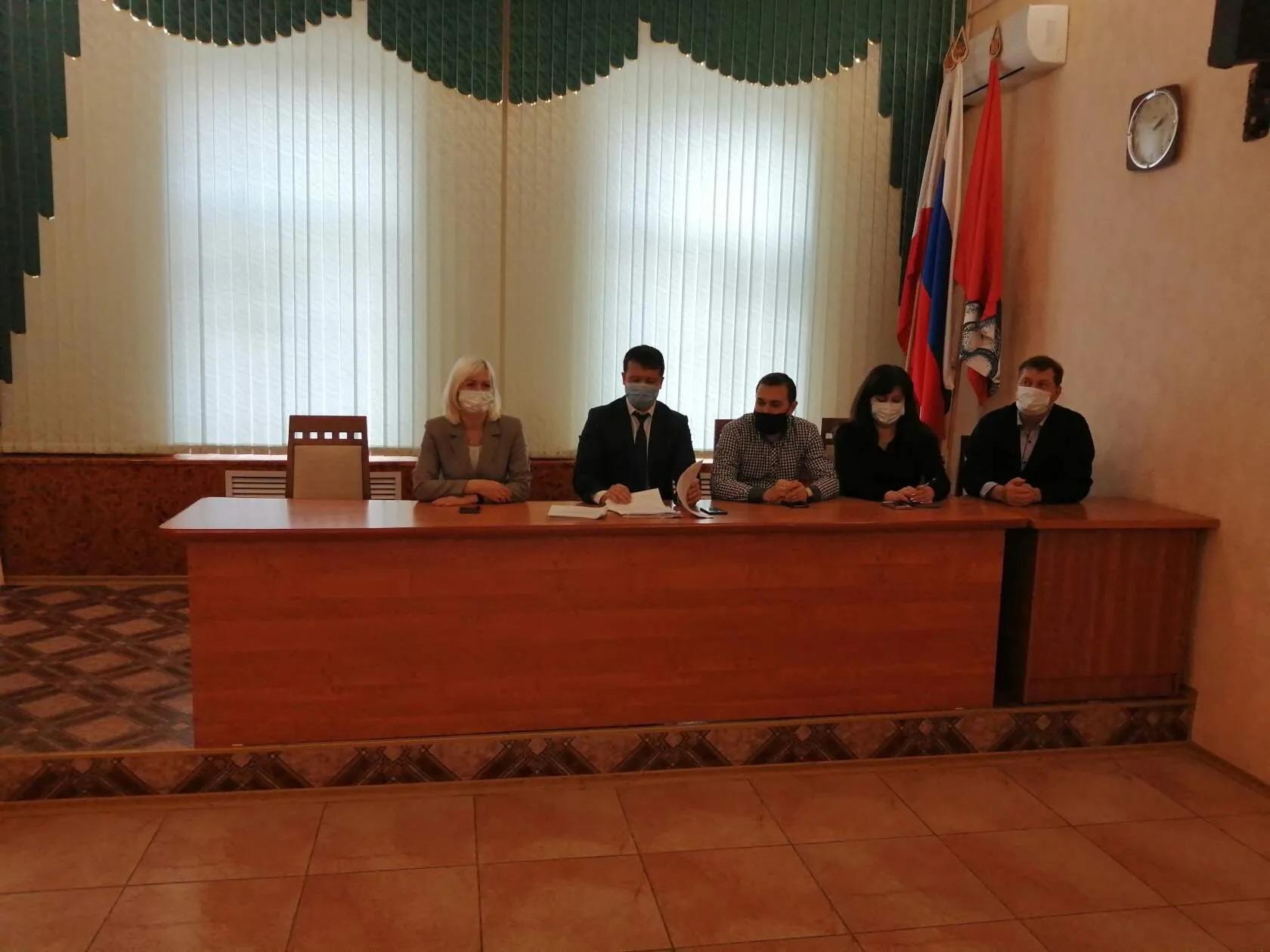 Сегодня под председательством заместителя главы администрации по социальным вопросам Николая Ларина состоялось очередное заседание административной комиссии