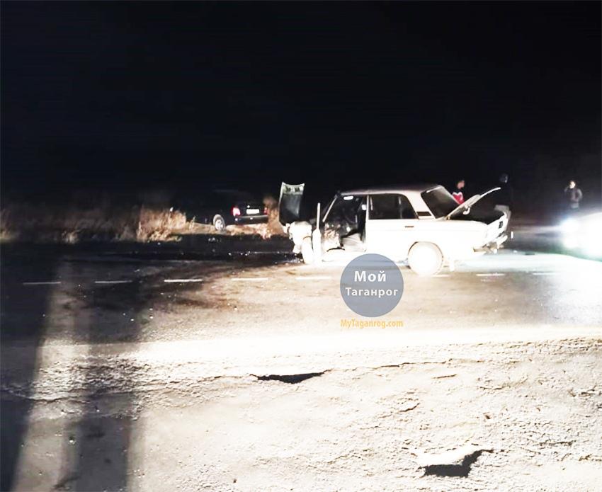 Под Таганрогом в результате столкновения «ВАЗ-2106» и Hyundai Accent пострадали два человека