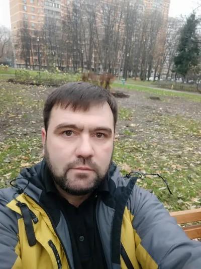 Husrav Cadirov
