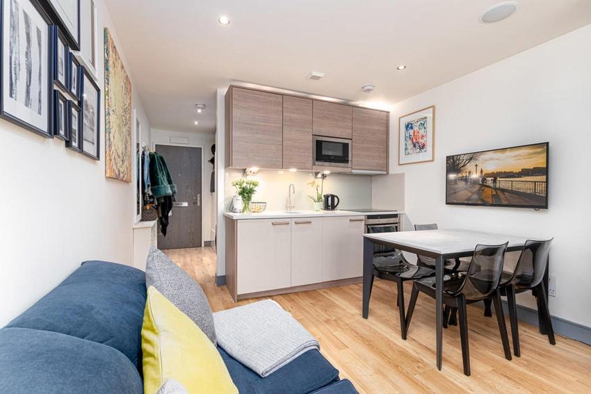 Интерьер квартиры-студии 26 м (+ терраса) с откидной кроватью.
