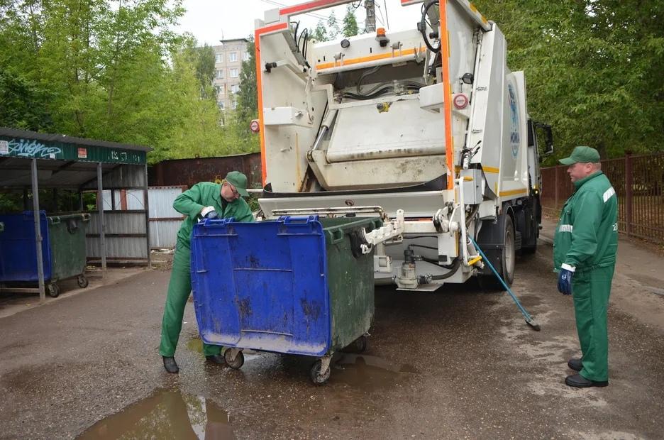 Как устроена система очистки мусорных контейнеров в Ярославле. Фото и видео
