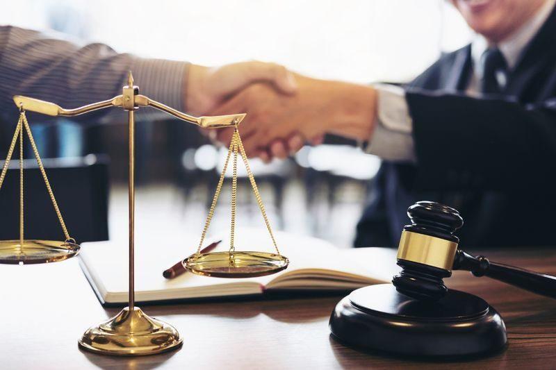 Адвокат консультация спор трудовой в Москве
