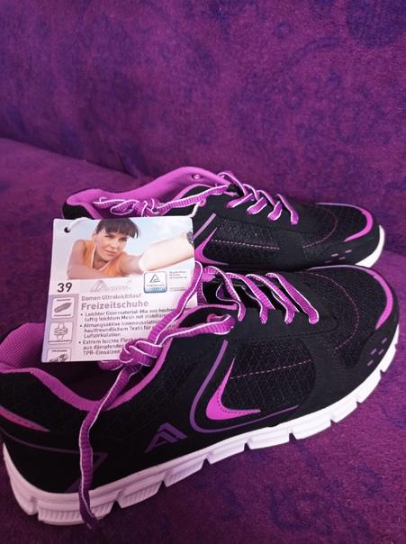 Новые спортивные кросовки  с Германии, размер 39 Ц...