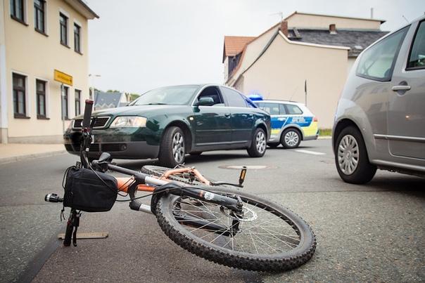 Автоледи задавила 12-летнюю девочку на велосипеде ...