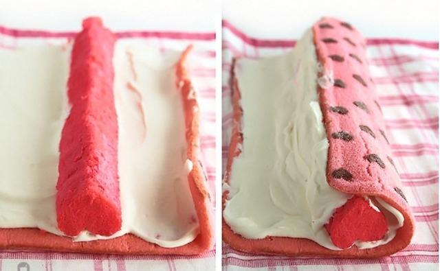 """""""Любовь повсюду!"""" - торт-рулет с сырно-сливочным кремом"""