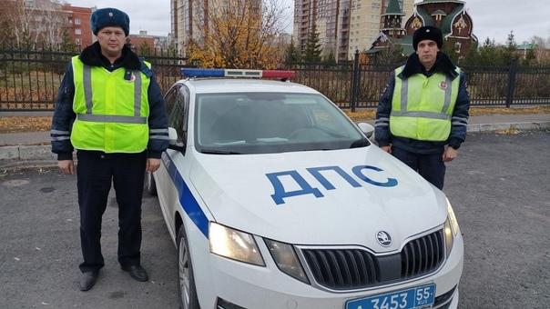 Омские сотрудники полиции помогли оперативно доста...